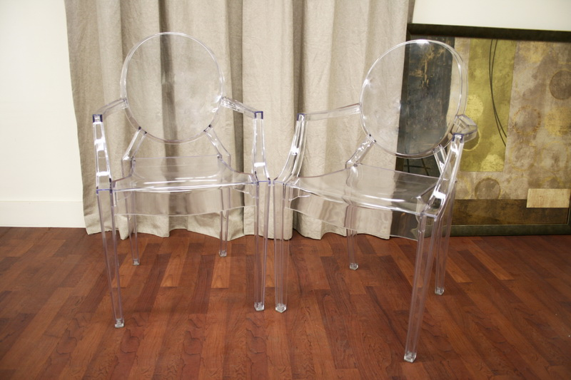 Merveilleux ... Ghost Chair   Clear Acrylic Stackable Arm Chair ...